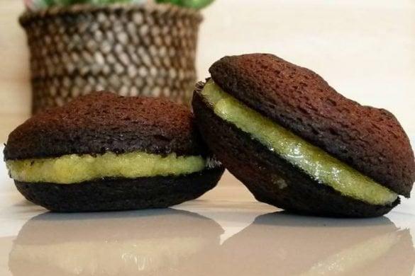 macaron protéicos de cacao con crema de limón