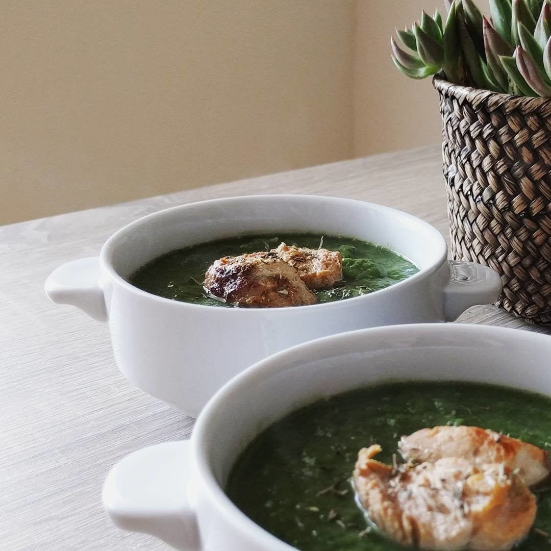 Green Thyme Soup with Marinated Chicken