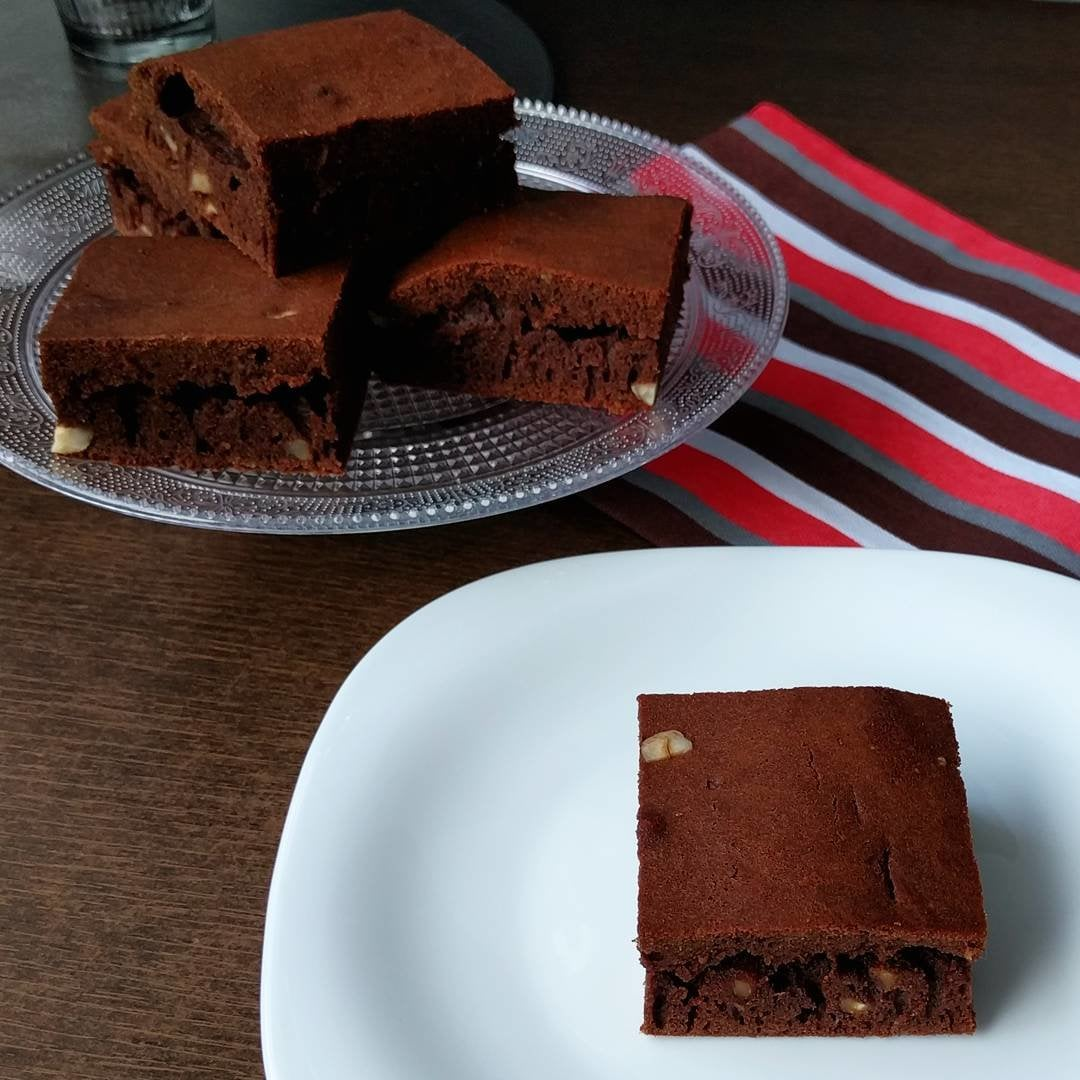 How to start the day with a smile: Classic & Gluten Free Brownies