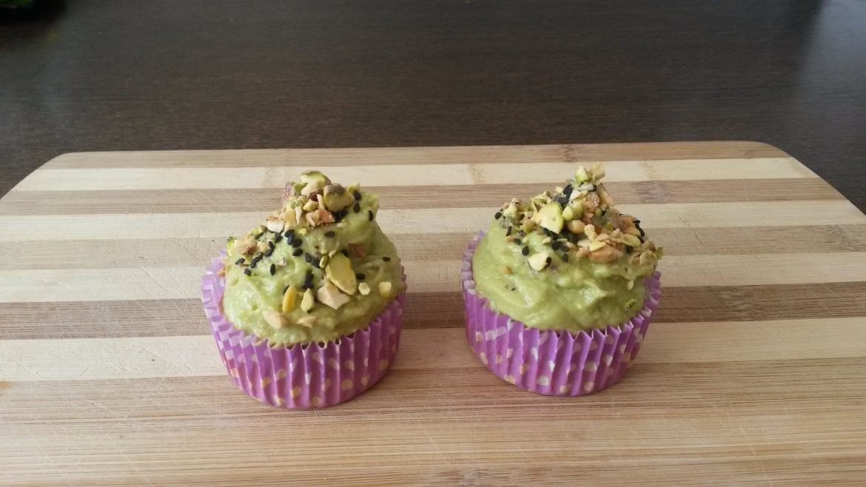 Cupcakes salados de garbanzos con crema verde