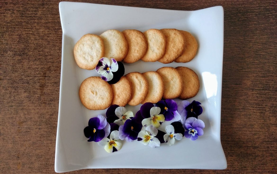 A gift for Mother's Day: Almond cookies ready in 10 minutes