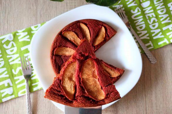 tarta de manzana... de color rojo