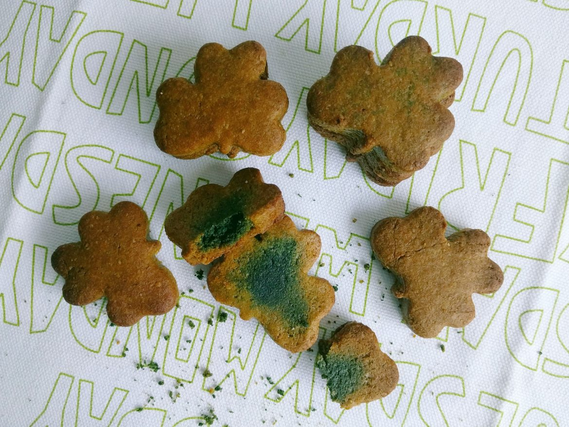 Celebrating Saint Patrick: Green cookies