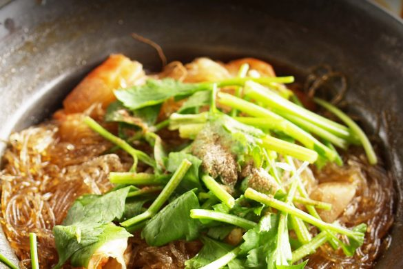 Noodles con verduras y salsa tamari