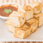 Grilled tofu with hot sauce
