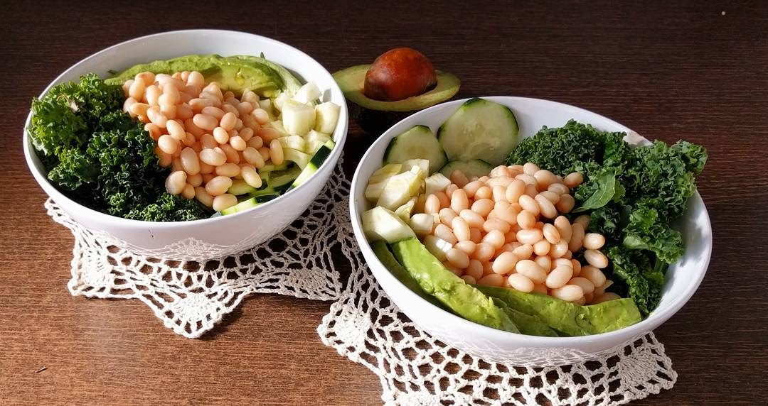 Green salad with beans