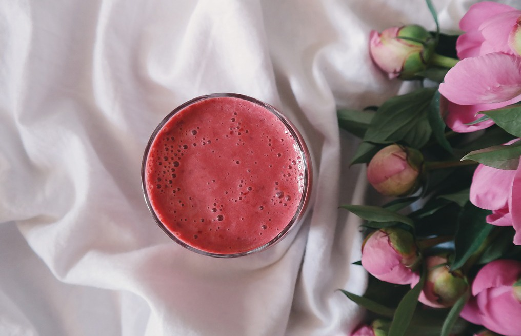 Pear, oat & beet smoothie